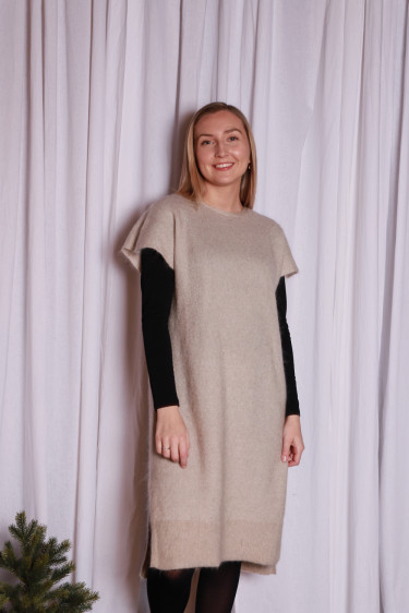Soft wide sleeveless dress Warm grey
