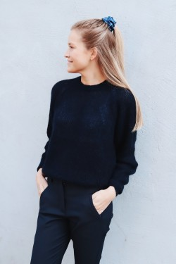 Mohair R-neck Sweater Navy