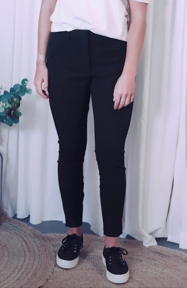 Angelie 315 Zip Black Pants