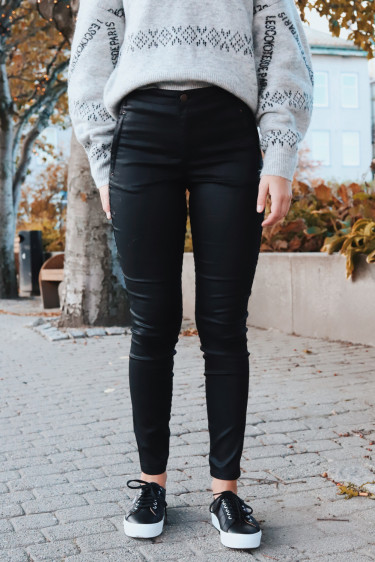 Jolie 274 Black Coated Pants