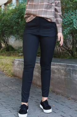 Angelie 225 Black Slim Pants