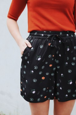 Lyng Print Shorts Black