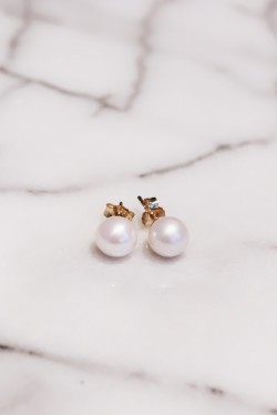 Large Pearl Stud Gold