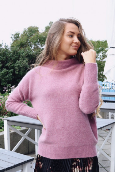 Funnel Neck Pullover Heather Amarena